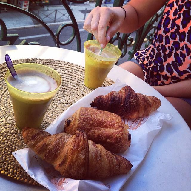 Du cafe & Croissants