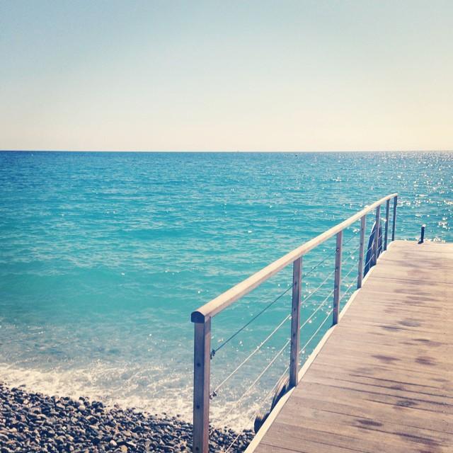 Pebble beaches in Nice