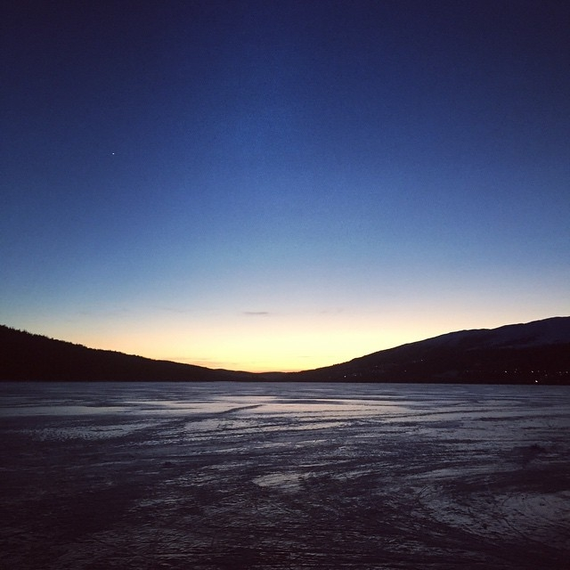 Sunset on the lake in Åre