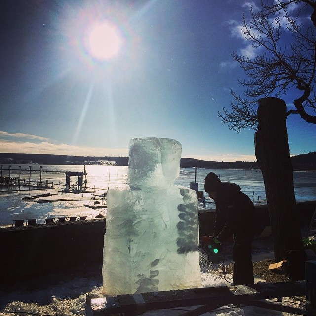 Ice carving on the lake