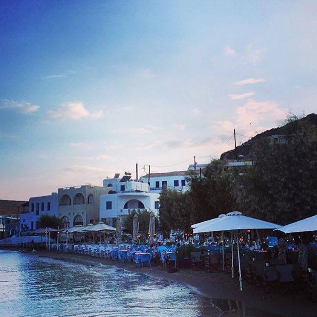 Beach front restaurants in Kythnos