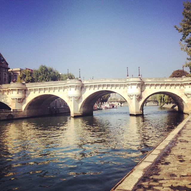Oldest bridge in Paris