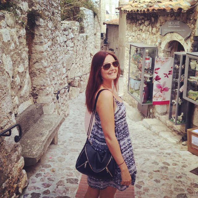 Some hot chick in Eze ; )