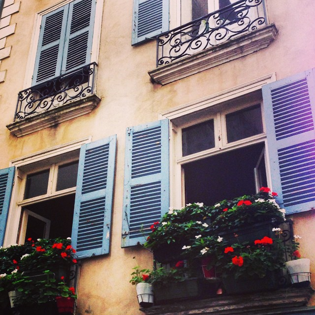 Just love the beautiful buildings in France